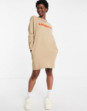 Бежевое платье-футболка с высоким воротом и логотипом Lacoste-Светло-бежевый цвет